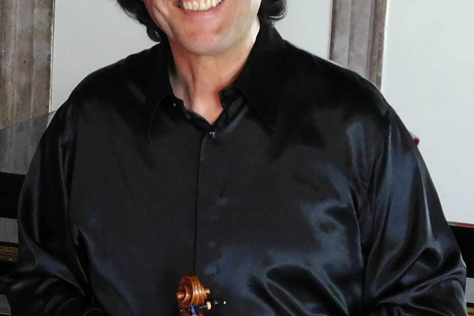 Violinist Volodja Balzalorsky